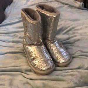 Bear Paw Size 8 Silver Glitter Warm Boots